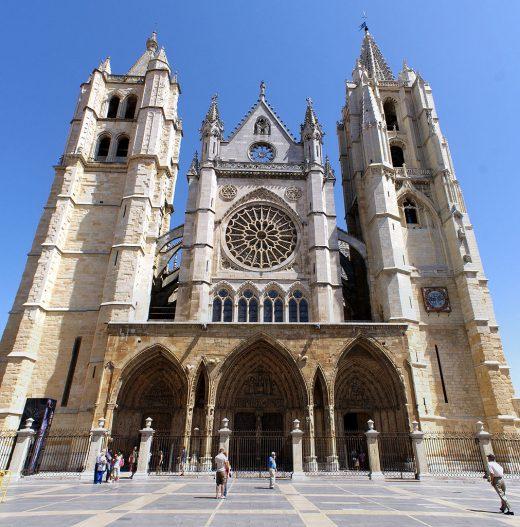 Nueva Acrópolis - Simbolismo catedrales